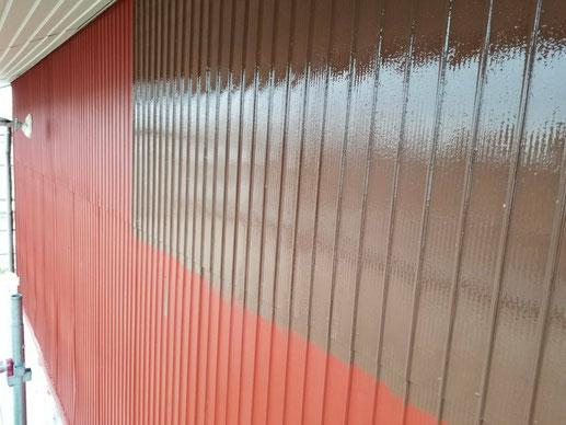大垣市、墨俣町、安八町、瑞穂市、羽島市で外壁塗装工事中の外壁塗装工事専門店。墨俣町で外壁塗装工事/中塗り作業中