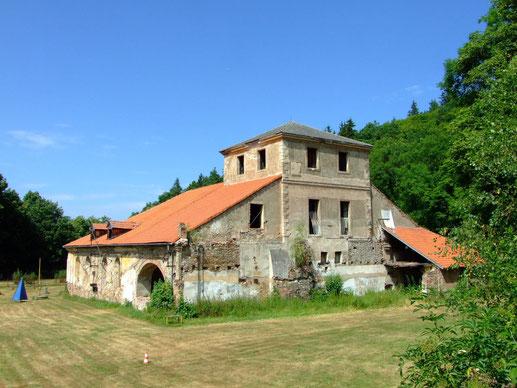 ehemaliger Hochofen der Barbarahütte in Jinetz (Jince)