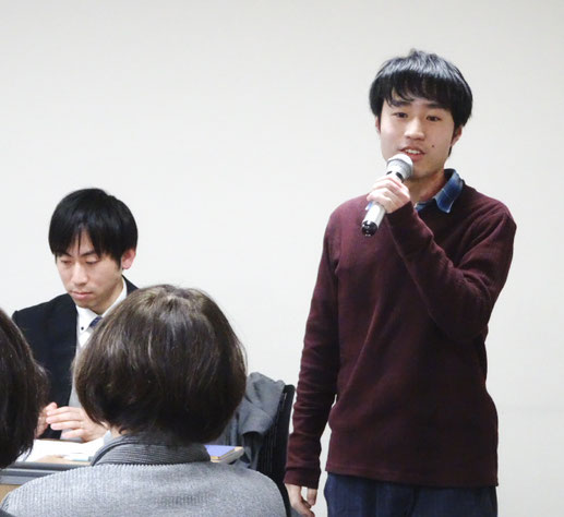 ドキュメンタリーを制作した今川さん(写真上右)と村上さん(写真下)