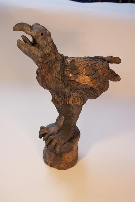 """Vogel auf Sockel""  Raku Höhe 40 cm"