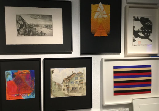 Atelier Guatelli - ag bildet ein - Einrahmungsbeispeile und Kundenbilder im Atelier.