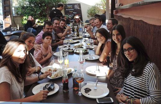 Varias generaciones compartieron mesa en la «Closing Party»