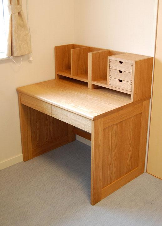 大人が使う框組学習机(長野県中野市・K様邸)