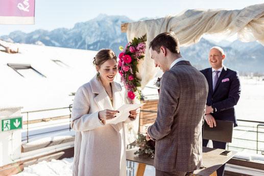 Freie Trauung Schwangau Trauredner Oberbayern Hotel Rübezahl English WEdding Ceremony Wedding Celebrant