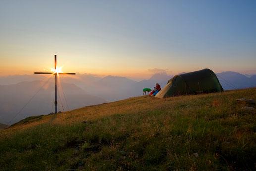 Sonnenuntergang am vielleicht schönsten Nachtplatz unserer Tour