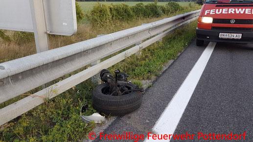 Feuerwehr, Blaulicht, BFKDO Baden, FF Pottendorf, Unfall, A3
