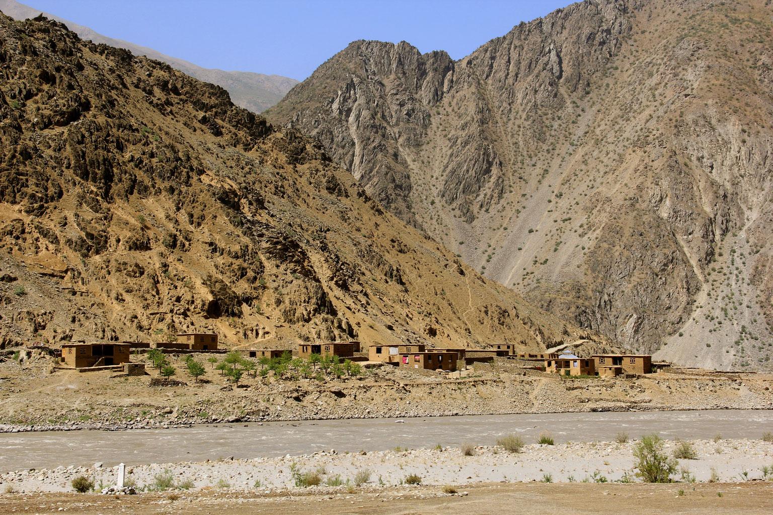 Blick nach drüben - Blick nach Afghanistan