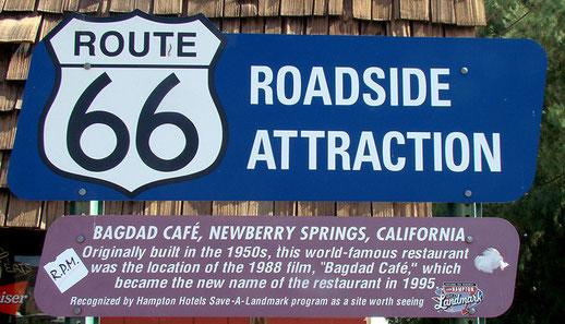 """Das Restaurant wurde weltberühmt durch den Film """"Bagdad Café - Out of Rosenheim"""" der hier gedreht wurde."""