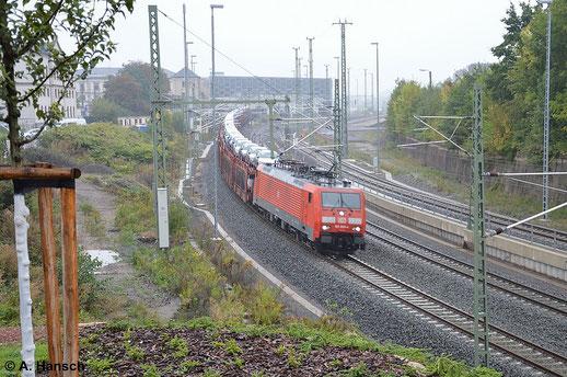 189 009-4 kämpft sich durch den verregneten 12. September 2014. Mit ihrem Autozug passiert sie gerade Chemnitz Hbf. in Richtung Zwickau