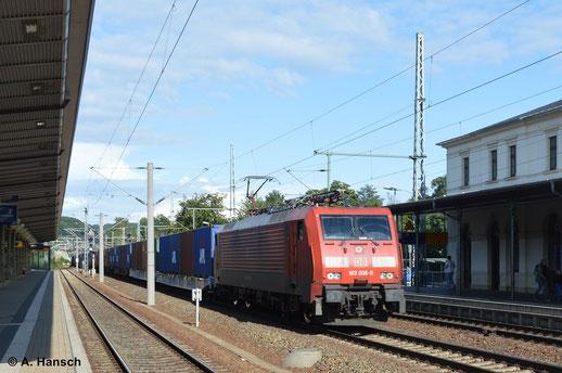 189 006-0 durchfährt mit Containerzug Pirna Hbf. (16. August 2014)