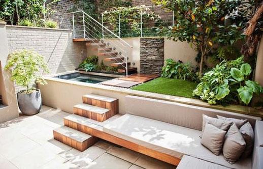 Petit jardin en ville et mini bassin