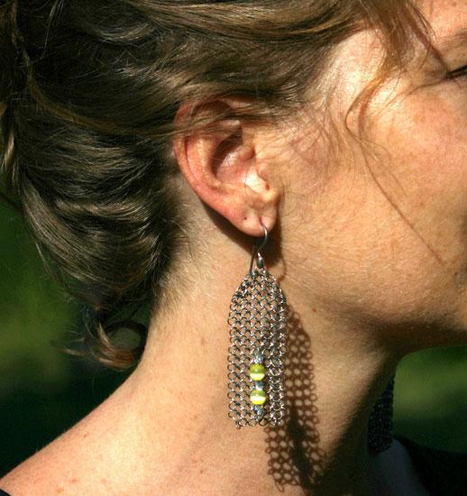 Boucles d'oreilles chics en cotte de mailles inox