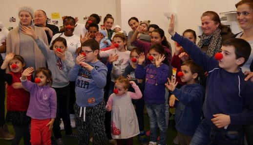 Die Teilnehmer erhielten Clownsnasen zur Erinnerung an einen besonderen Nachmittag