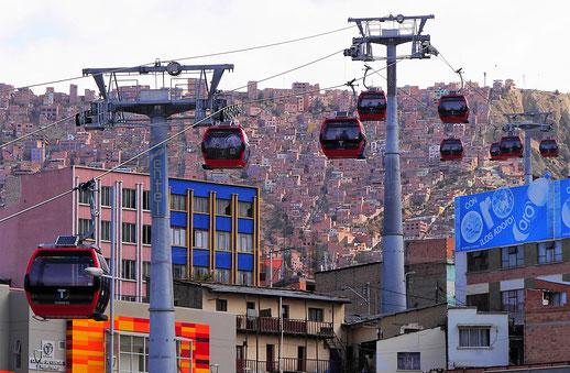 Von hier da hinten hoch! La Paz, Bolivien (Foto Jörg Schwarz)