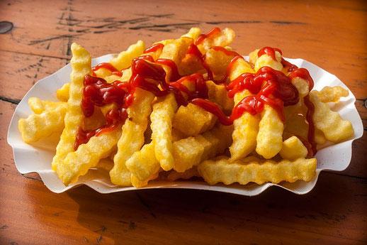 Schale Pommes mit Ketchup Living5 Besser essen nach der Traditionellen Chinesischen Medizin 5 Elemente Ernährung