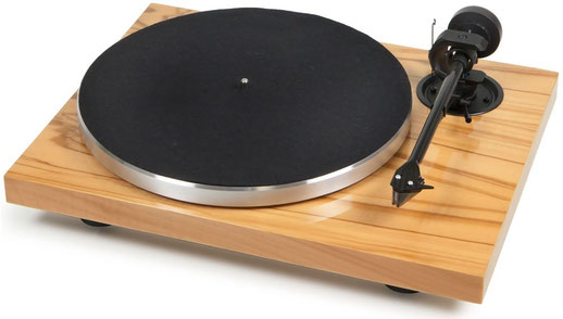 Pro-Ject Xpression Carbon Classic Olive mit Tonabnehmer Ortofon 2M Silver UVP: 840,- €
