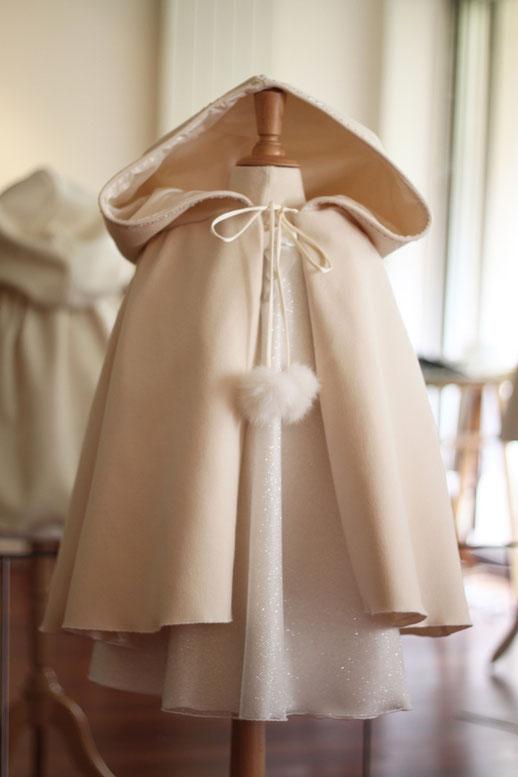 Cape cérémonie enfants mariage d'hiver. Cortège d'hiver. Robe de demoiselle d'honneur. Fabrication française.
