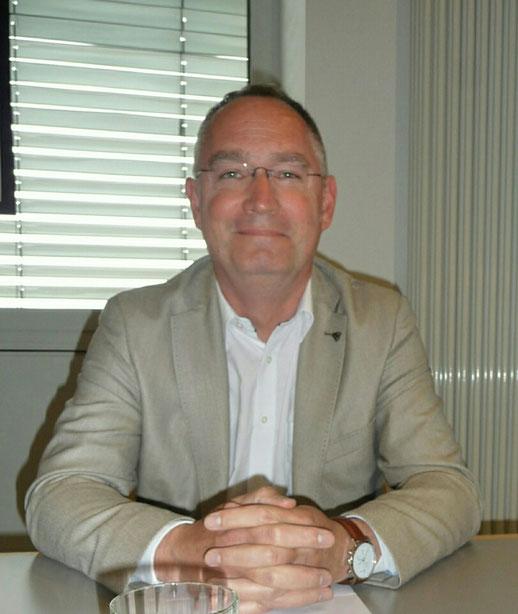 Dr. med. Michael Überall, Präsident der Deutschen Schmerzliga e. V., 5. Sulzbach-Rosenberger Schmerzforum Juli 2016