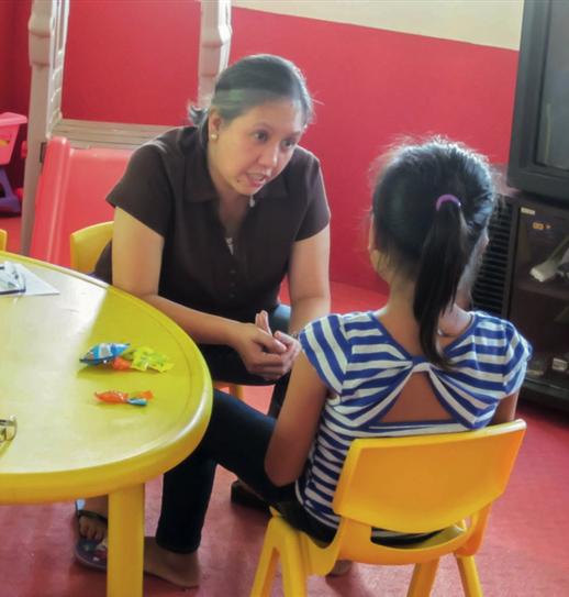 Im Betreuungszentrum erhalten die Kinder psychologische Unterstützung, sodass sie lernen, mit den schlimmen Erfahrungen umzugehen. (Foto: Plan International)
