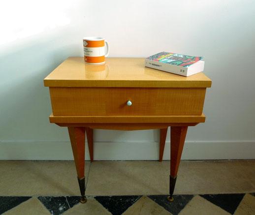 tables hautes et basses joli trouvaillesvintage. Black Bedroom Furniture Sets. Home Design Ideas
