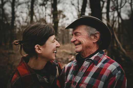 Age gap couple, German American couple, humor in a relationship