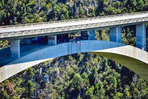 200m-Sprung in die Tiefe von der N2-Autobahnbrücke