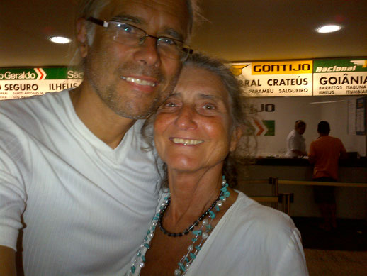 Avinash und Pyari im Busbahnhof, Rio de Janeiro, Brasilien, 2013