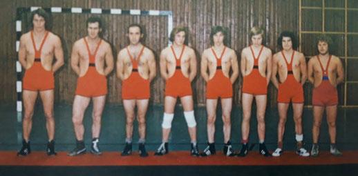 Mannschaft von 1972 von links: Alfred Muck, Erwin Mohrs, Helmut Klemann, Hans-Peter Erne, Franz Thaa, Thomas Erne, Wolfgang Karrer, und Norbert Brausch