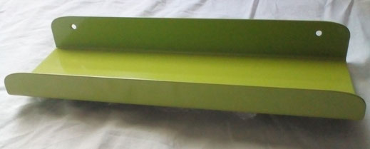 Etagère tablette porte cadre colori pantone vert 283C design