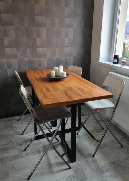 pied de table haute sur-mesure en métal noir