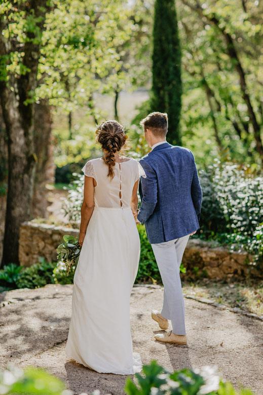robe de mariée moderne dentelle Chantilly