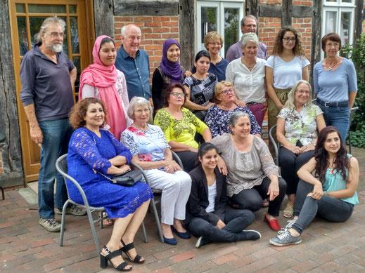 Das internationale Café-Team unserer Freiwilligen (nicht vollständig)