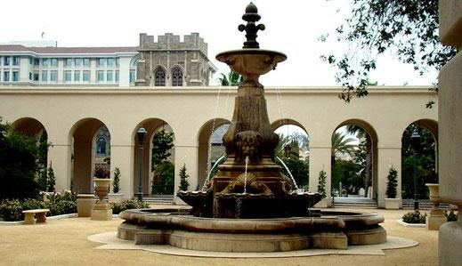 Pasadena ist eine Stadt mit schöner Architektur, pulsierendem Leben und vielen trendigen Restaurants.