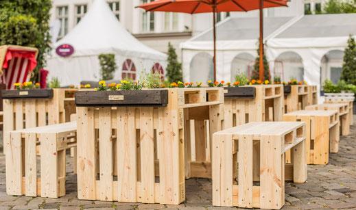 Trendige Möbel aus Paletten - trendig, rustikal & modern.