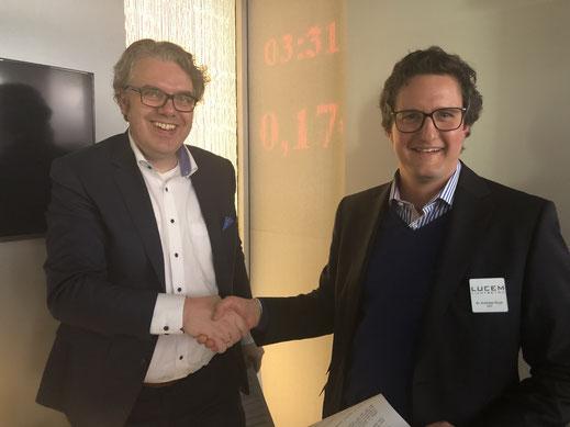 Thorsten Hahn (links), CEO Holcim (Deutschland) GmbH, Andreas Roye, CEO LUCEM