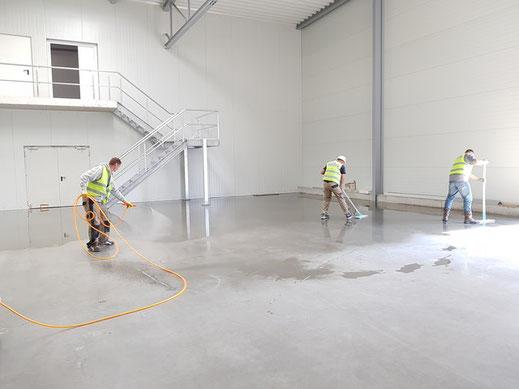 Industriereinigung Sonderreinigung Reinigung putzen Lagerhalle Produktionshalle