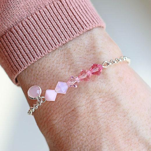 handgemachtes versilbertes Armband aus Swarovski Perlen in rosa, aus der Frühjahrskollektion, modern und zierliche, aus Köln, EVAMARIA jewelry