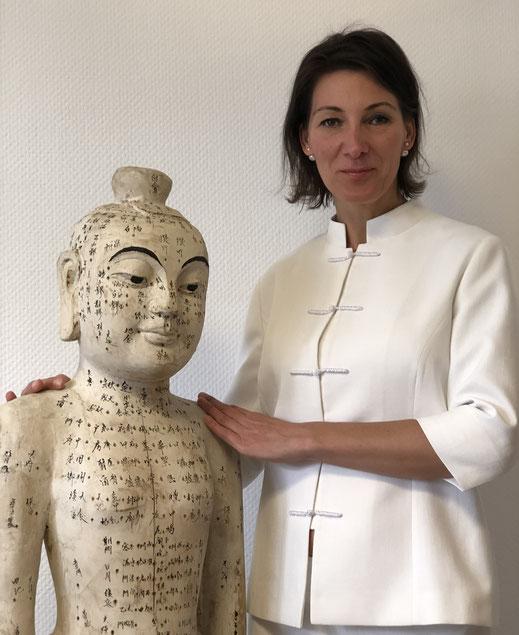 Elke Christensen mit TCM in Düsseldorf - examinierte Krankenschwester und Heilpraktikerin