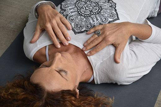 online Retreat, online Detox mit Silke, Yoga, Achtsamkeit, Ayurveda, Meditation und Schamanische Seelenreisen