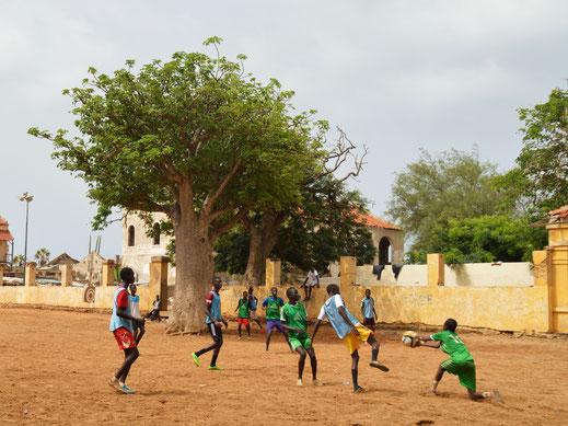 Straßenfußball auf der Île de Gorée