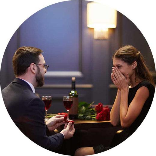 レストランでプロポーズ