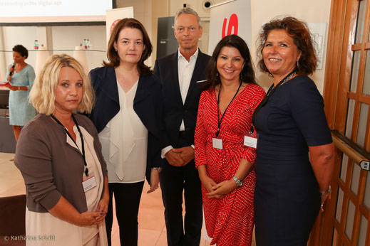 Women Leadership Forum 2016_Mag. Barbara Sipos, Leadership for Women; Eva Weissenberger, News; Ronald Schranz, Brunswick Group; Mag. Martina Flitsch, Novomatic; Martina Denich-Kobula, Frau in der Wirtschaft Wien