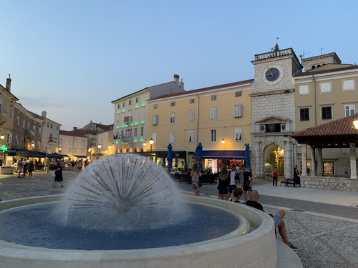 Kroatien, Cres, Zentrum