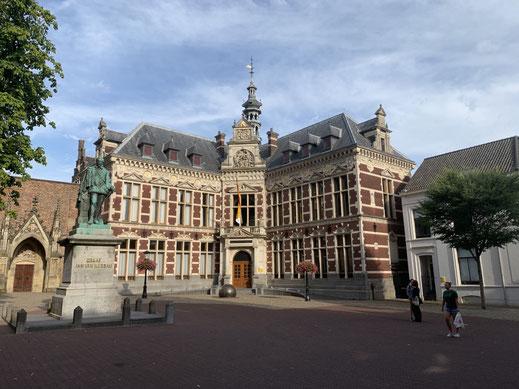Niederlande, Holland, Utrecht, Zentrum, Statue, Academiegebouw, Grachten, Graaf, Graf Nassau, Akademie, Uni