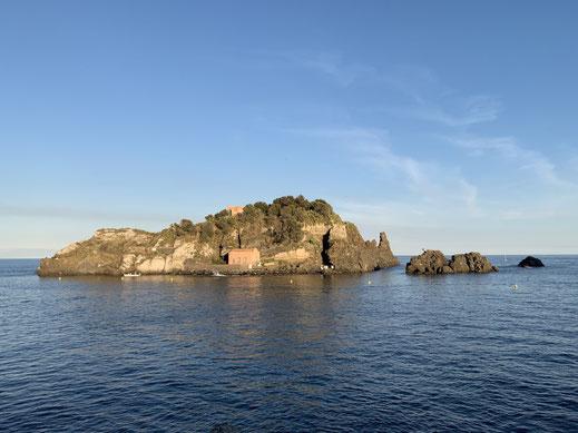 Italien, Sizilien, Aci Trezza, Sehenswürdigkeit, Hafen, Zyklopen Inseln, Lachea