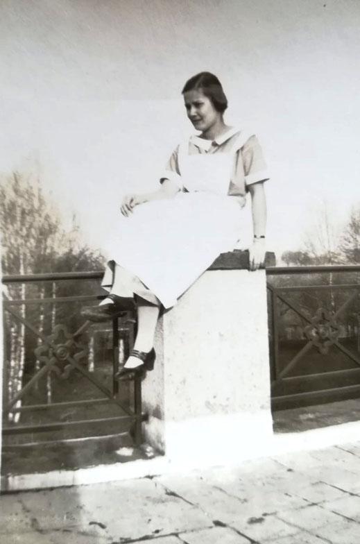 Anneliese Sybrecht, 1927/1928