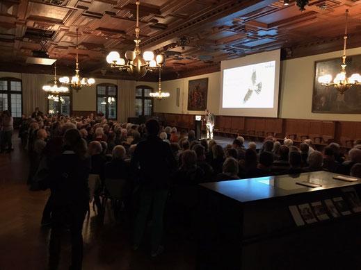 Dr. Urs Weibel bei der Präsentation in der Rathauslaube (Foto: Pascal Parodi)
