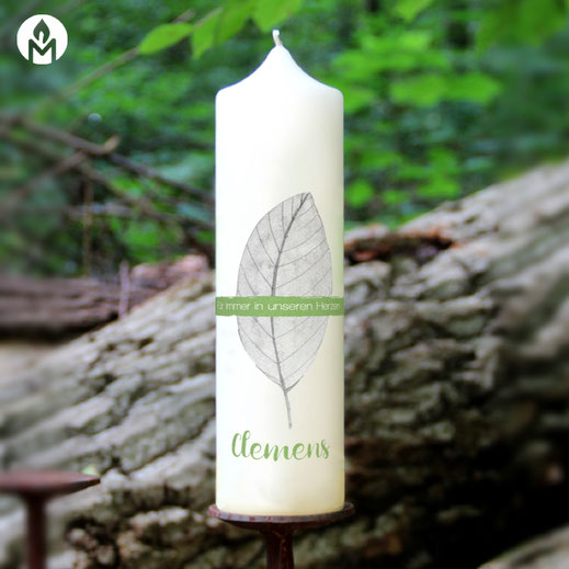 moderne und individuelle Trauerkerze für-immer-in-unseren-Herzen machs-licht-an Kerzenshop Stumpenkerze Trauerfeier Kirche #mla