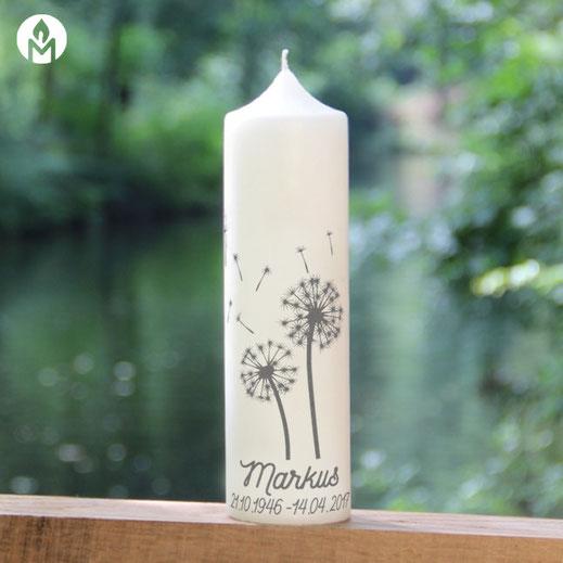 moderne und individuelle Trauerkerze Pusteblume machs-licht-an Kerzenshop Stumpenkerze Trauerfeier Kirche #mla