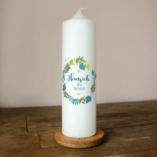 moderne und individuelle Trauerkerze Blätterkranz machs-licht-an Kerzenshop Stumpenkerze Trauerfeier Kirche #mla